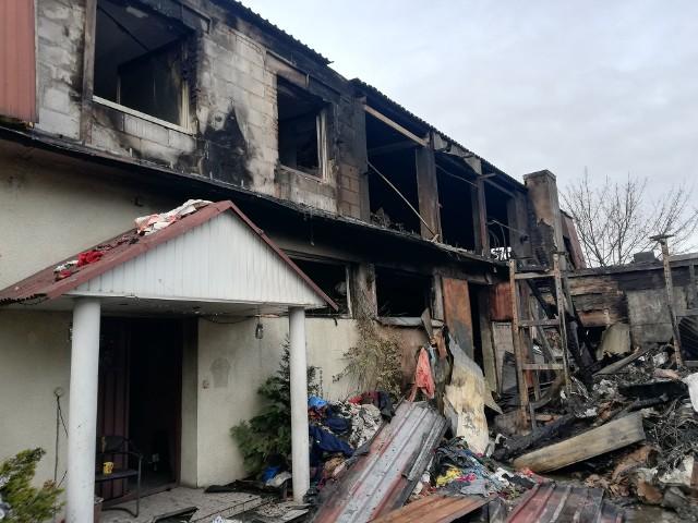 W pożarze magazynu w Koleczkowie spłonął m.in. dom. Pogorzelcy proszą o pomoc w jego odbudowie