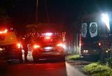 Atak na policjantów w Gostyni. Są ranni. Agresywny mężczyzna rzucił się z rozbitą butelką