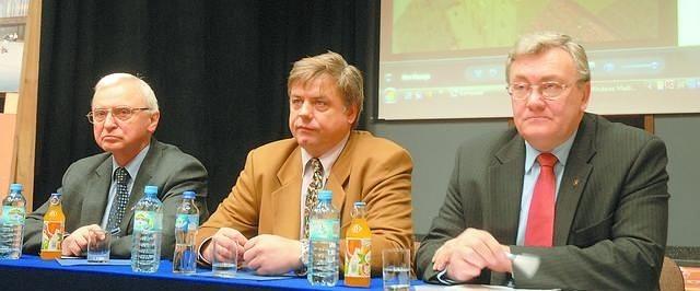 Od lewej Henryk Sapalski, Kosma Złotowski i Roman Jasiakiewicz