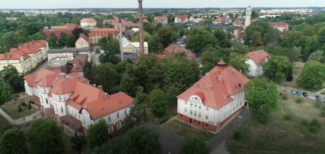 Kompleks budynków 105. Kresowego Szpitala Wojskowego w Żarach FOT. ARCHIWUM 105. KRESOWEGO SZPITALA WOJSKOWEGO W ŻARACH