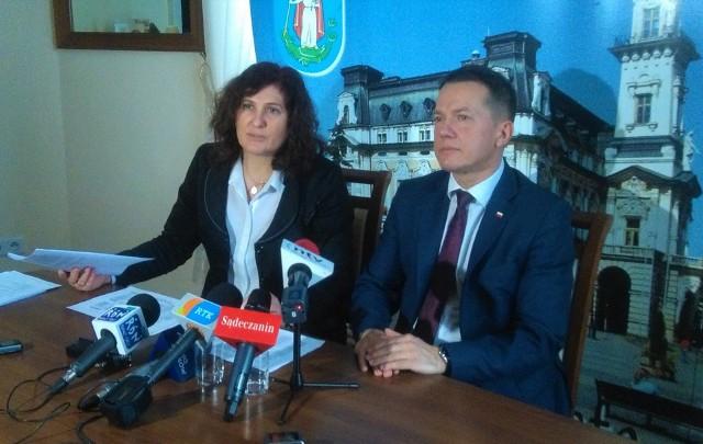 Jaki jest sens zmian jednostek organizacyjnych podlegających pod Urząd Miasta - pyta Iwona Mularczyk