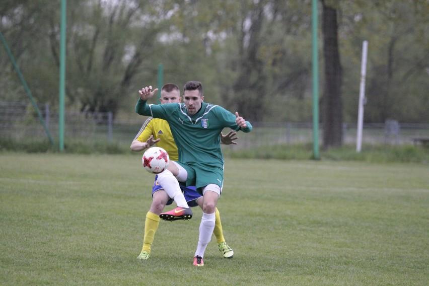 Grzegorz Benedyk z TOR-u Dobrzeń Wielki i jego koledzy nie mogą dziś przegrać z Polonią Nysa. Więcej - muszą wygrać.