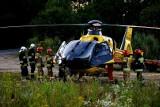 Wypadek w Jerzmanowicach. Poszkodowane dwie osoby, jedną zabrało pogotowie lotnicze