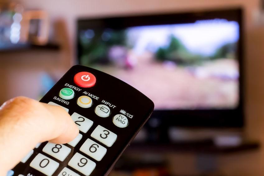 """Telewizory nie lubią """"pasków"""" stacji informacyjnych? Gdańszczanka kolejną ofiarą wypalenia ekranu"""