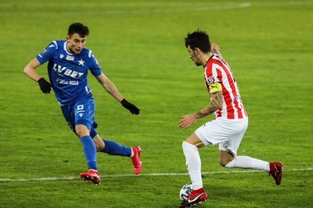 Dawid Szot (z lewej) wierzy, że w sobotę Wisła zagra lepiej niż ostatnio i wygra derby Krakowa