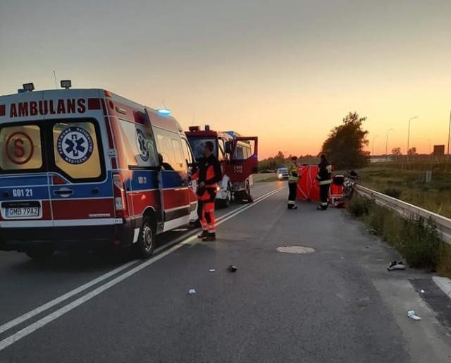 Śmiertelny wypadek w Cedrach Małych 7.06.2021. Zginęła potrącona 30-letnia rowerzystka