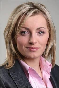 Barbara Garlacz, radca prawny specjalizuje się m.in. w prawie spółek i rynków kapitałowych. Doradza w zakresie prawa finansowego.
