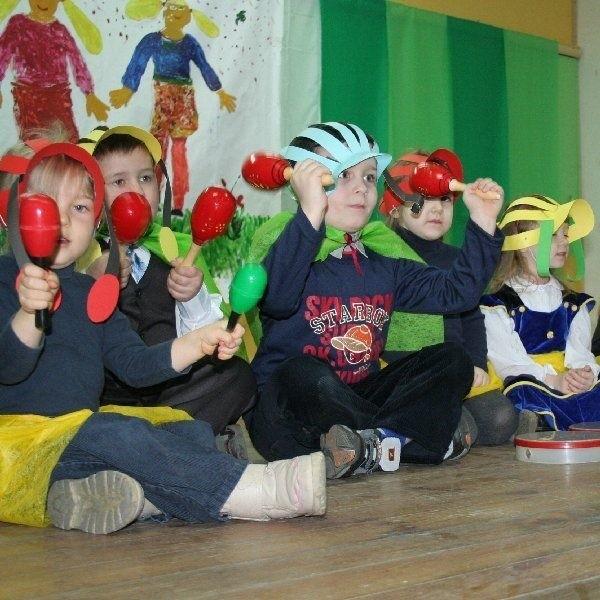Z muzycznym programem artystycznym  wystąpiły przedszkolaki z Brzozowa z grupy  prowadzonej przez Sylwię Pawłowską