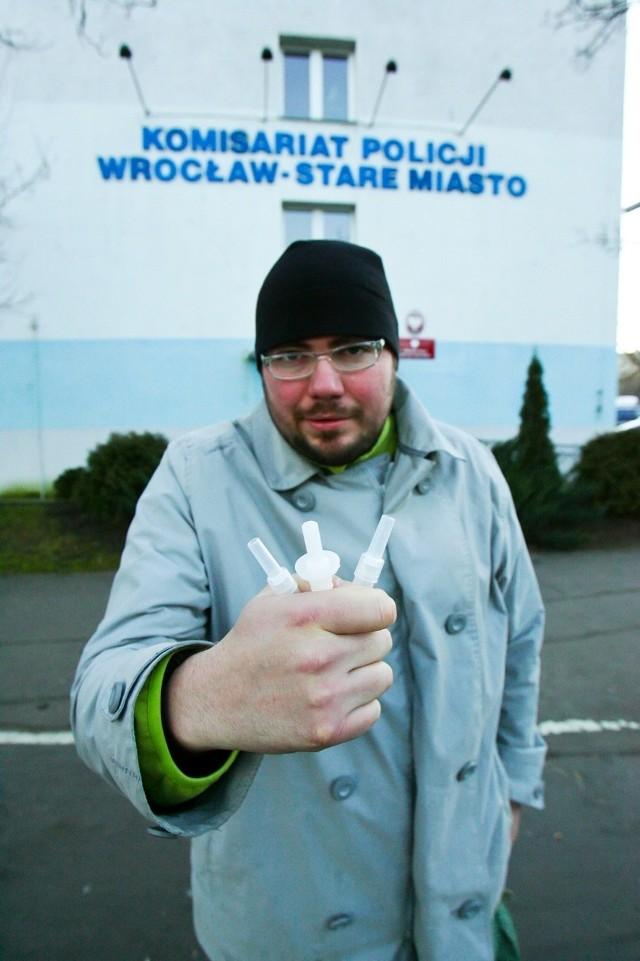 Wiele razy dmuchałem w alkomat, ale nie w każdym wrocławskim komisariacie okazało się to możliwe. To prawdziwa loteria