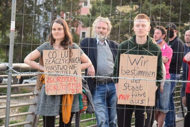 Mieszkańcy pogranicza protestowali w weekend, domagając się otwarcia dla nich granic