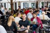 Pierwszy dzień po odmrożeniu gastronomii w Bydgoszczy [zdjęcia]