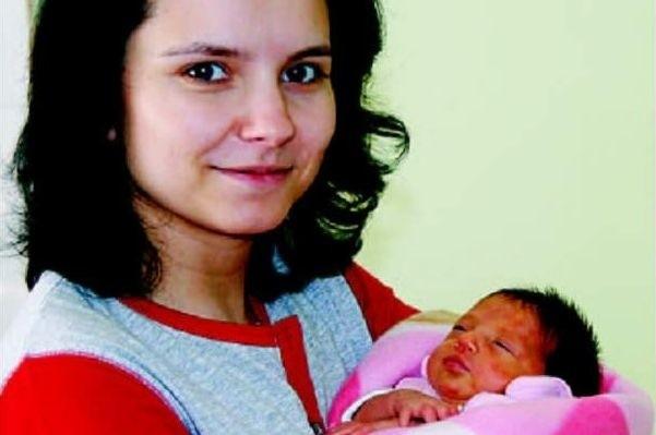 Oliwia urodziła się w piątek, 24 kwietnia. Ważyła 2450 g i mierzyła 52 cm. To pierwsze dziecko Anny i Marcina Malickich z Miłonów