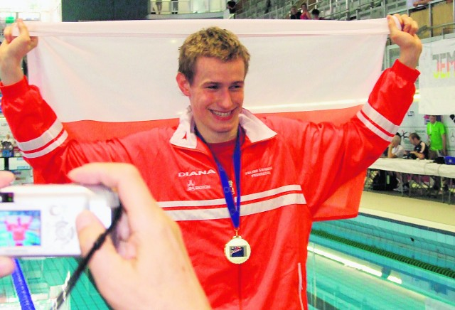 Przed trzema laty na MEJ zawodnik SMS Oświęcim - Maciej Hreniak wywalczył dwa złote medale