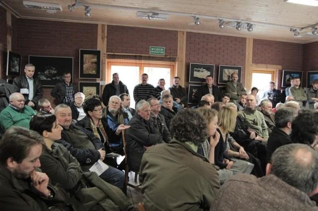 Ponad osiemdziesiąt osób wzięło udział w sobotniej debacie na temat polowań na terenie Puszczy Zielonki