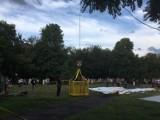 Wypadek w Parku Rady Europy w Gdyni (21.07.2019). Według nieoficjalnych ustaleń ofiara spadła podczas skoku na bungee [zdjęcia]