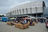 Festiwal Smaków Food Trucków w Poznaniu: Na stadionie miejskim spróbujesz dań z całego świata [PROGRAM, LISTA FOOD TRUCKÓW]
