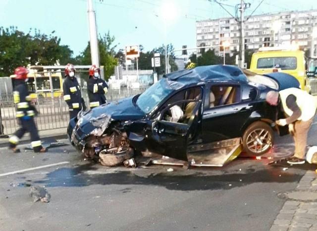 Okazało się, że kierowca był pijany,  miał ponad pół promila alkoholu w wydychanym powietrzu.