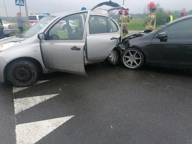 Groźny wypadek na ulicy Podmiejskiej w ZawierciuZobacz kolejne zdjęcia. Przesuwaj zdjęcia w prawo - naciśnij strzałkę lub przycisk NASTĘPNE