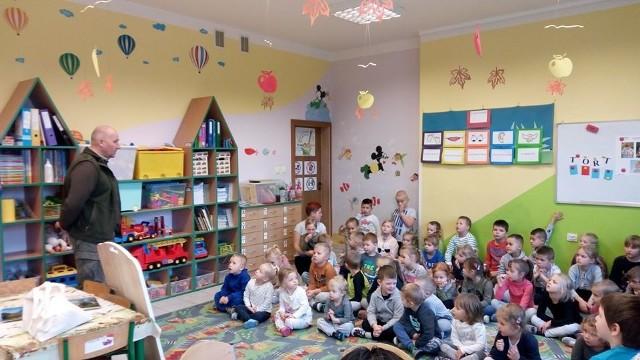 Leśnicy w przedszkolu.