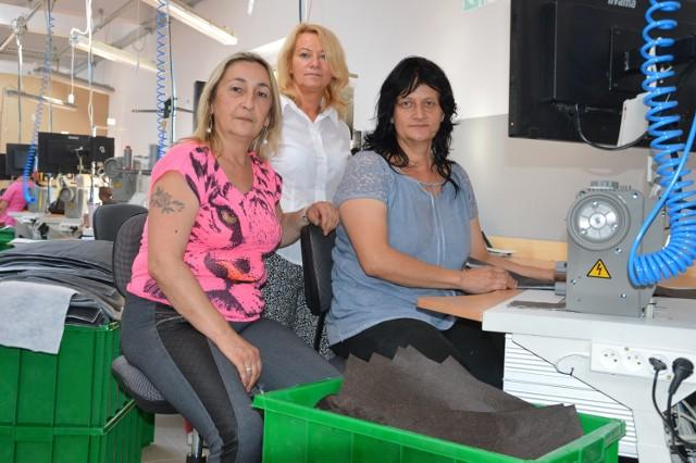 Wiesława Pilarz, Ewa Szczypta i Beata Zeman pracują w nyskim oddziale Klera jako szwaczki. Chwalą firmę za dobre warunki pracy i jasną sytuację zatrudnienia.