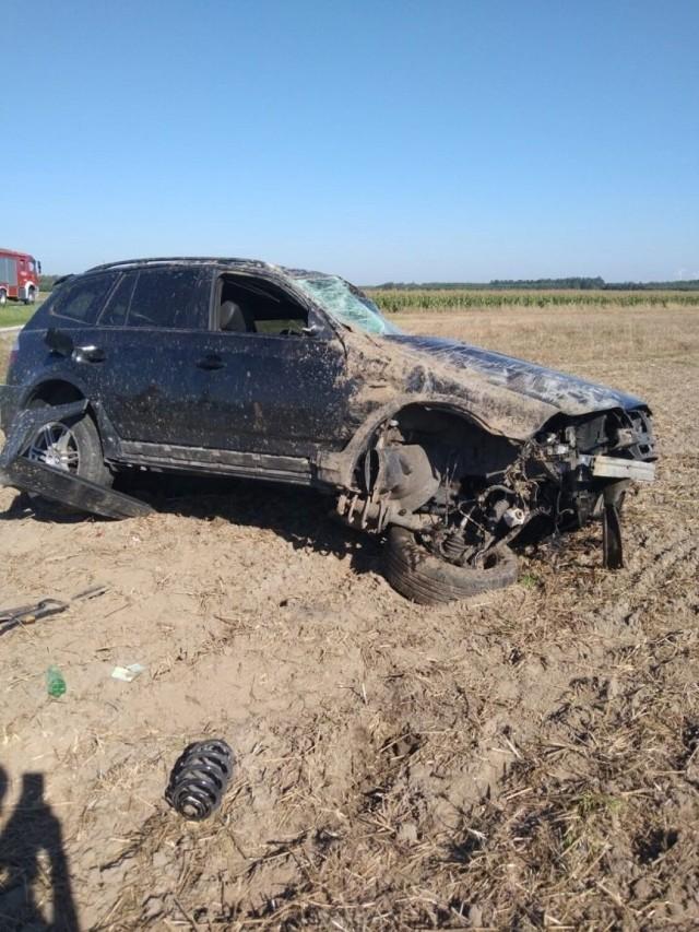 Do groźnie wyglądającego zdarzenia drogowego doszło w czwartek, 9 września w miejscowości Zalesiaki-Pieńki na Drodze Wojewódzkiej nr 491.