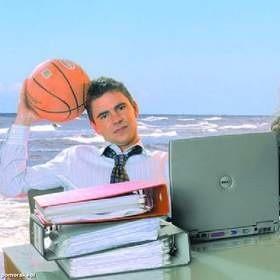 Pracodawca nie może zabronić pracownikowi ani ukarać go za to, że dorabia gdzie indziej podczas urlopu wypoczynkowego.