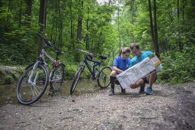 Na rowerowych szlakach gminy Zielonki. Tegoroczny rajd jest organizowany w formie indywidualnych wycieczek z koszulkami i mapami tras przygotowanych przez centrum kultury