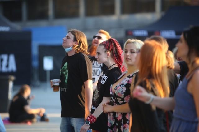 Koncert Pidżamy Porno w Katowicach i Tarasy Spodka. Strefa Kultury tętni życiem Zobacz kolejne zdjęcia. Przesuń w prawo >>>