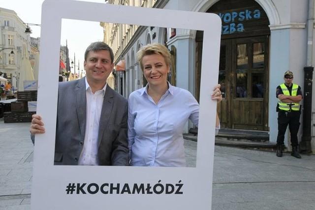 Piątkowy poranek w Łodzi. Tomasz Kacprzak i Hanna Zdanowska. Wieczorem zapadła formalna decyzja, że to nie on będzie szefem Rady Miejskiej w przyszłej kadencji, jeśli to od koalicji popierającej Zdanowską będzie zależeć to stanowisko.