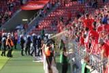 Zamieszki po ostatnim gwizdku na stadionie Widzewa. Musiała interweniować policja! ZDJĘCIA