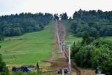 """W Wańkowej w Bieszczadach budują nowy wyciąg narciarski. Powstanie tu całoroczne Centrum Turystyki Aktywnej i Sportu """"Bieszczad-ski"""" [FOTO]"""