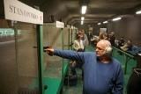 """Strzeleckie pojedynki w lubelskim klubie """"Snajper"""". Zobacz, jak walczyli uczestnicy"""