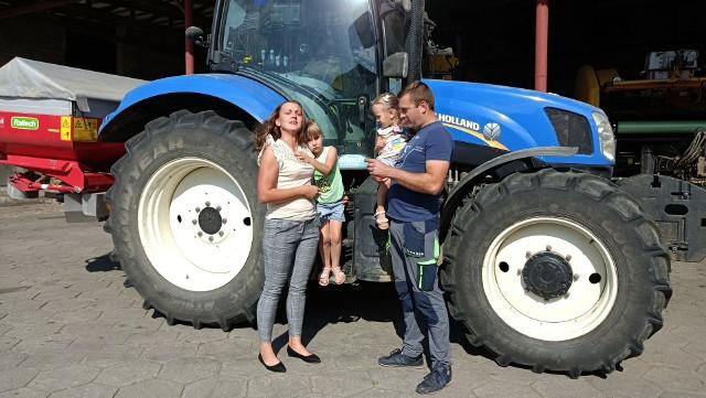"""Swędrowskim nie brakuje nowoczesnych maszyn, ale najcenniejszą """"inwestycją"""" jest rodzina"""