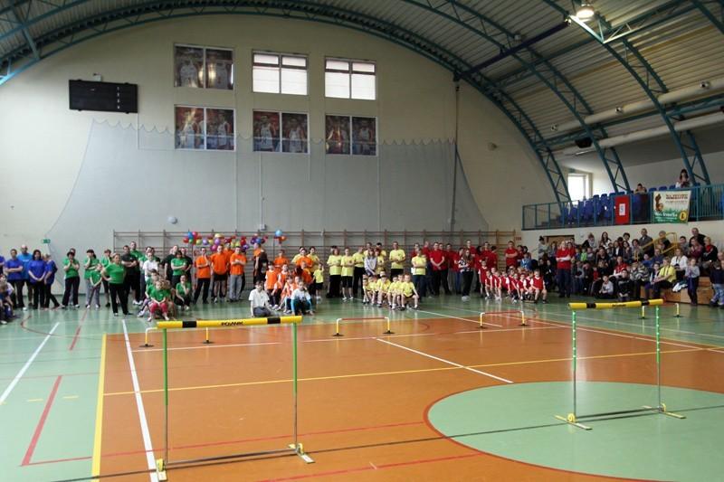 Rywalizacja była zacięta, zawodnicy doskonale przygotowani a doping ściany rozrywał. W takiej atmosferze przedszkolacy z SP nr 1 wywalczyli zwycięstwo w sobotnich zawodach.