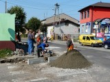 Powiat zgierski remontuje drogi w miastach i na wsiach