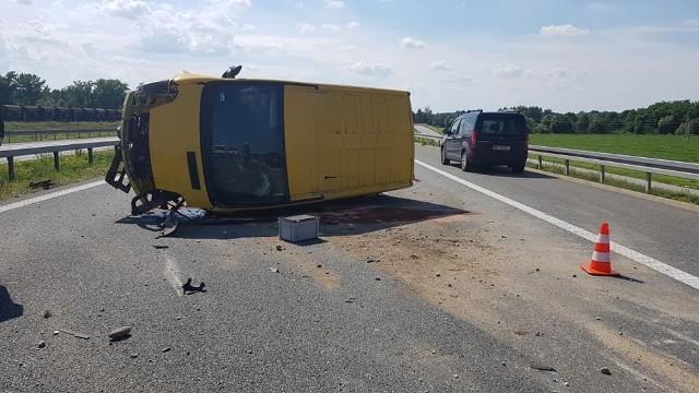 Wypadek busa na autostradzie A4 w rejonie Szczepanowa