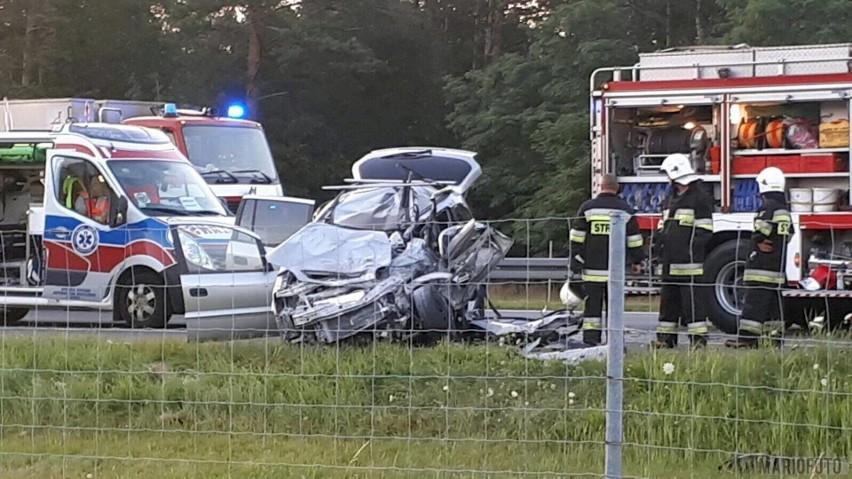 Kobieta zginęła w wypadku na autostradzie A4.