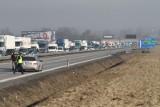 Wypadek na autostradzie A4. Zderzyły się dwa samochody