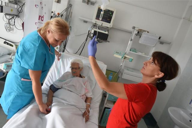Zdjęcie ilustracyjne. W Grudziądzu od lutego 2019 roku ma zostać uruchomiona szkoła pielęgniarska przy szpitalu. Ma przyjąć ok 30-40 studentów.