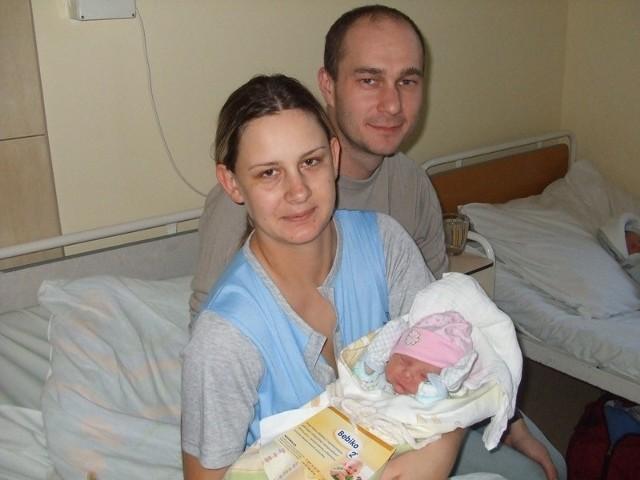 Amelia GrodzkaAmelia Grodzka urodzila sie w środe, 25 listopada. Wazyla 2850 g i mierzyla 53 cm. Jest pierwszym dzieckiem Katarzyny Ekstowicz-Grodzkiej i Piotra Grodzkiego z Ostrowi.