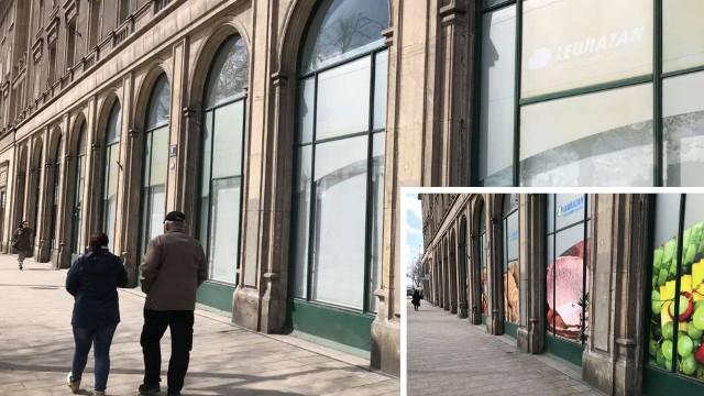 Z jednej z największych witryn na Placu Centralnym niedawno zniknęły kolorowe reklamy
