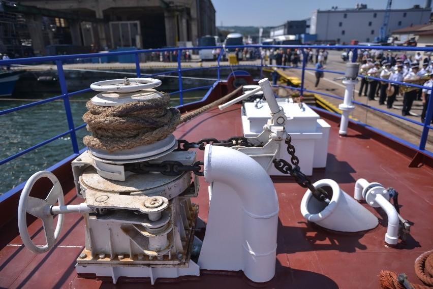 Nauta buduje   statki badawcze