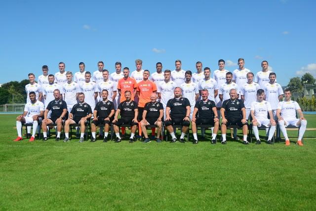 Oto nowa, pełna kadra Radomiaka. Poznaj drużynę Radomiaka, w której pojawiło się kilku nowych piłkarzy i sprawdź, z jakimi numerami na koszulkach będą występować.