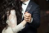 """""""Rozwód kościelny"""". Powody, które mogą unieważnić małżeństwo kościelne. Czy jest wśród nich zdrada?"""