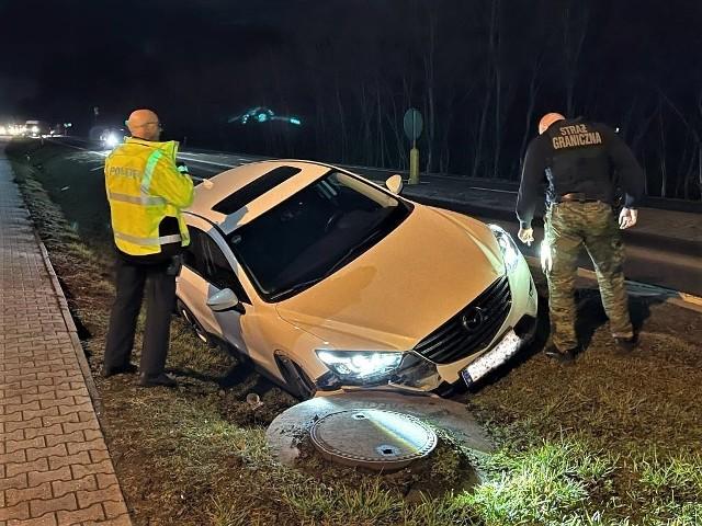 Funkcjonariusze ze Wspólnej Polsko-Niemieckiej Placówki w Świecku odzyskali po pościgu Mazdę CX5 wartą 70 tys. złotych