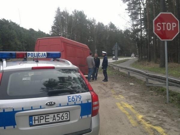 Kierowca busa został ukarany mandatem w wysokości 200 zł i stracił pięć punktów.