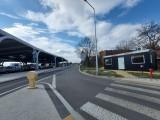Katowice. Kontener zniknie z Sądowej jeszcze w tym tygodniu. Pojawił się przy nowym dworcu autobusowym w połowie marca