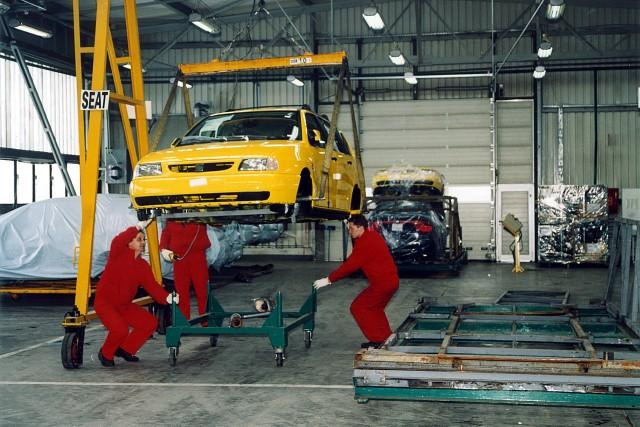 Początki Volkswagena w Poznaniu to rok 1993, kiedy to niemiecki koncern pojawił się na miejscu dawnego Tarpana.Kolejne zdjęcie -->
