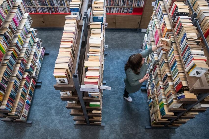 Od soboty, 28 listopada, biblioteki publiczne i naukowe mogą...