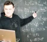 """Edukacja w czasach zarazy w Zespole Szkół Społecznych Fundacji Edukacji """"Fabryczna 10 (zdjęcia)"""
